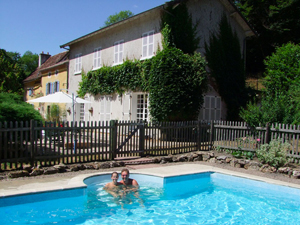 Bed & Breakfast for naturists - with swimming pool - in France