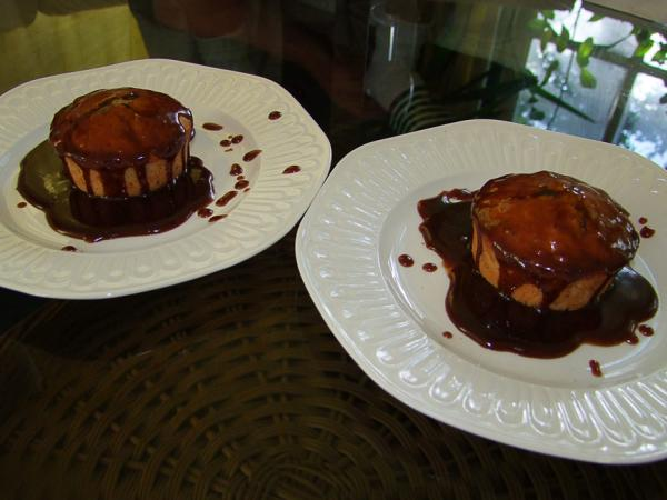 Date cake with chocolate sauce